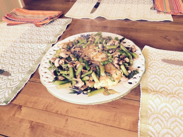 Omelet with asparagus and mushrooms