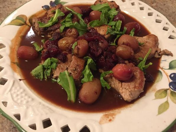 pork-medallions-with-grapes-in-pomegranate-sauce