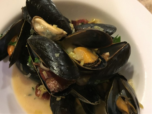 mussels, bowl