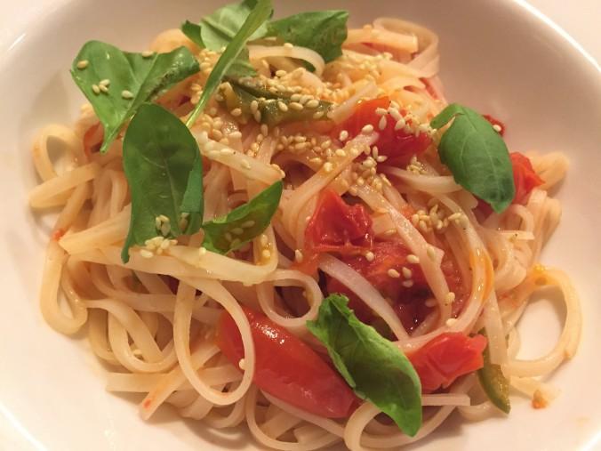 Rice noodles pomodoro