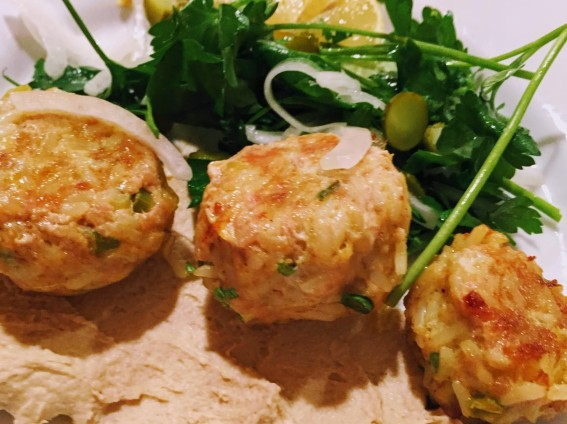 Chicken Meatballs with hummus (2)
